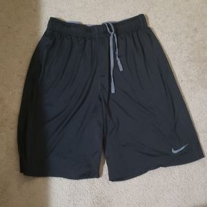 Mens Nike dry fit shorts.  Size M black